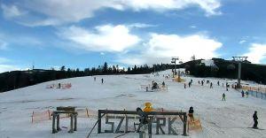 Trudne i dostateczne warunki narciarskie w Szczyrku
