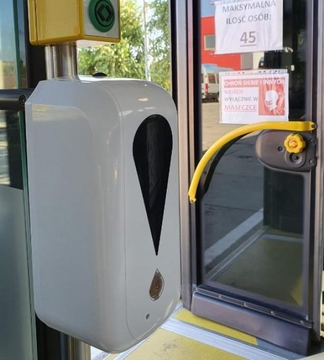 PKM zamontował w autobusach dozowniki z płynem dezynfekcyjnym