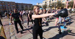 [WIDEO] Kilkadziesiąt osób ćwiczyło w centrum Czechowic-Dziedzic