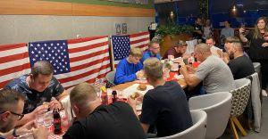 Zawody w Jedzeniu Burgerów - Tydzień Amerykański w La Grande
