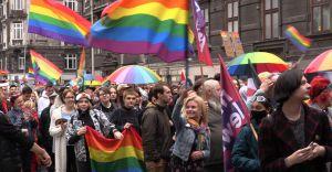 [WIDEO, FOTO] Ulicami Bielska-Białej przeszedł I Marsz Równości
