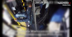 Zatrzymano chuligana, który kopnął kierowcę autobusu