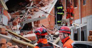 [WIDEO, FOTO] Na osiedlu w Bielsku zawalił się blok! Była eksplozja