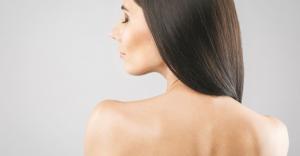 Co zrobić, aby nawilżyć włosy? Top 3 sposoby na głębokie nawilżenie