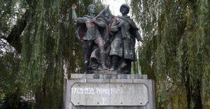 """IPN nie ma wątpliwości. Pomnik """"Braterstwa Broni"""" do usunięcia"""