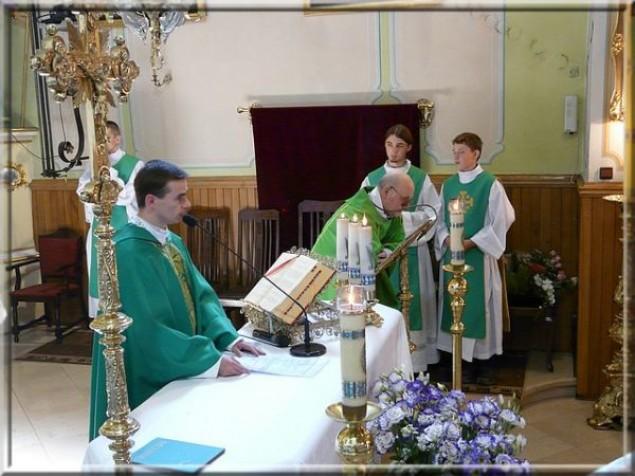 Zmiana warty w bestwińskim kościele