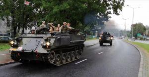 Trwa Operacja Południe. Zobacz paradę pojazdów militarnych - wideo