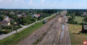 [WIDEO] Co słychać na remoncie trasy kolejowej nr 93? Postępy prac