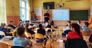 Czechowiccy dzielnicowi spotkali się z uczniami ZSP nr 1