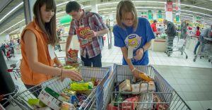 Caritas przeprowadzi zbiórkę żywności dla seniorów