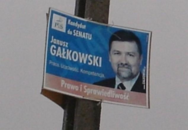 Gałkowski wciąż kandyduje na słupie
