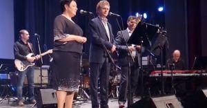 [WIDEO] Burmistrz i Bracia Golec zaśpiewali dla małej Hani
