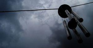 Synoptycy ostrzegają przed burzami i silnym wiatrem. Porywy do 70 km/h