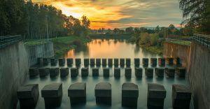 Foto-dnia: wschód słońca nad Jeziorem Goczałkowickim