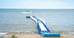 Pontony łączone i mosty pontonowe - sposób na większą przestrzeń nad wodą