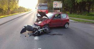 Poranna kolizja z udziałem motocyklisty na ul. Węglowej