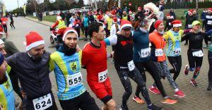 [FOTO] Mikołaje pobiegli dla Aniołów - zebrano ponad 20 tys. złotych