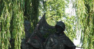 Zniknie Pomnik Braterstwa Broni?