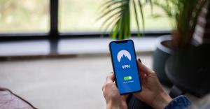 Jak uniknąć zagrożeń bezpieczeństwa publicznego WiFi, czyli hotspotów?