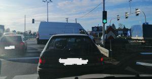 DK-1: Blokowanie przejazdu na skrzyżowaniu na zielonym świetle