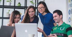 Usługi HR, które wspomagają zarządzanie zasobami ludzkimi