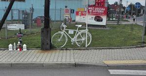 Przy ulicy Traugutta w Czechowicach-Dziedzicach stanął biały rower
