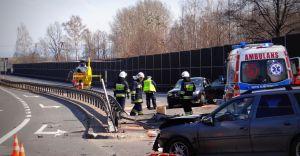 [ZDJĘCIA] Wypadek na DK-1 w Goczałkowicach, lądował śmigłowiec