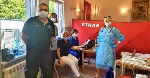 Strażacy wsparli organizację akcji szczepień przy kościołach