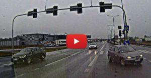 [WIDEO] DK-1: Szaleńcza jazda na czerwonym świetle