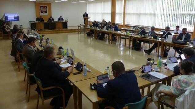 Na sesji Rady Powiatu omówiono m.in. działalność straży pożarnej