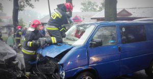 [ZDJĘCIA] Wypadek w Bestwinie, trzy osoby w szpitalu