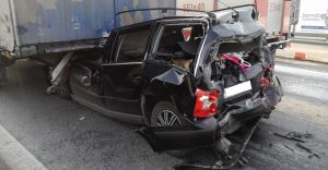 [ZDJĘCIA] Poważny wypadek na DK1: autem jechała 5-osobowa rodzina