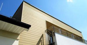 Elewacja z kompozytu drewna - kolejny etap w budowaniu domu.