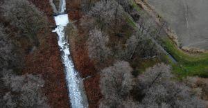 [FOTO] Biała piana w korycie rzeki Wapienica! Jest odpowiedź WIOŚ