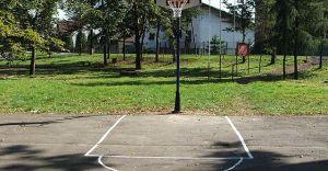 Jest sponsor, jest kosz do koszykówki