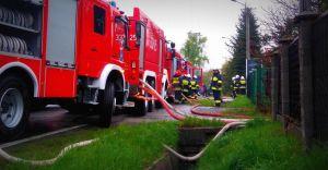 [ZDJĘCIA] Pożar warsztatu samochodowego przy ulicy Legionów
