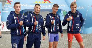 Kajakarze MKS z medalami Młodzieżowych Mistrzostw Polski