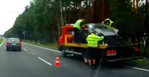 Tragiczny wpadek na DK-1 w Kobiórze: zginęły dwie osoby!