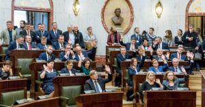 I sesja Sejmiku Województwa w cieniu oskarżeń o korupcję polityczną