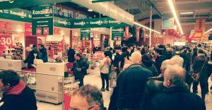 Strajk włoski w supermarketach. Pracownicy chcą podwyżek