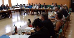 Sesja Rady Powiatu Bielskiego poświęcona była oświacie