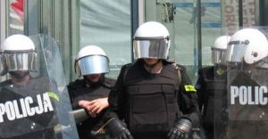 ''Bili mnie policjanci'' - będzie skarga