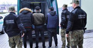 Na parkingu w Czechowicach-Dziedzicach zatrzymano imigrantów