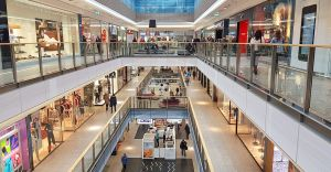 Sklepy w galeriach handlowych otwarte, nie ma godzin dla seniorów