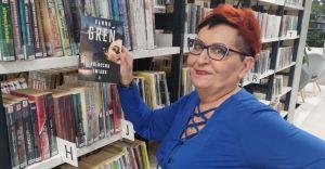 Felieton bibliotekarki: biblioteka jest kobietą...