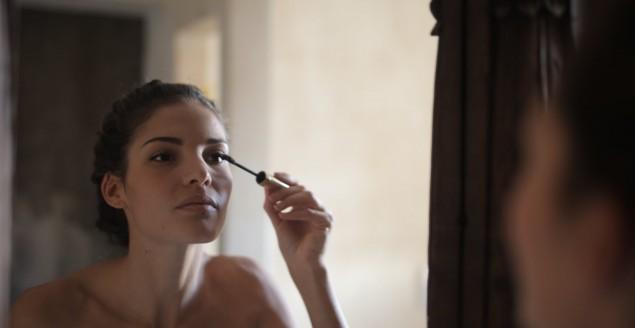 Pielęgnujące kosmetyki kolorowe - podkłady, które nie szkodzą