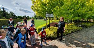 Przedszkolaki blisko natury... Dzieci odwiedziły ogrody Kapias