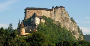 MDK zaprasza na Słowację: Orawski Zamek i kościół w Ludrowej