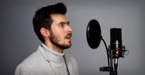 [WIDEO] Mario, czy już wiesz - Dawid Karpeta ze świątecznym coverem