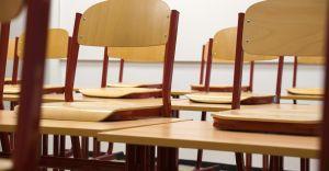 Ilu nauczycieli pracuje w jednostkach podległych ZOPO? Jakich brakuje?